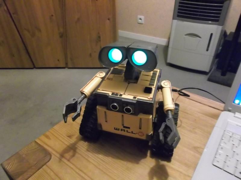 Wall-E U-Command - Raspberry Pi Forums